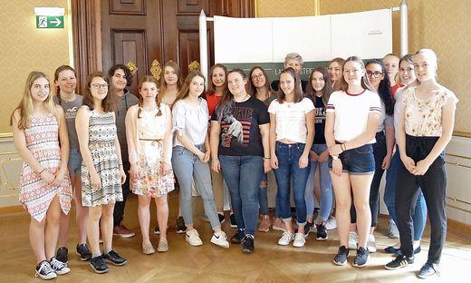 19 Schülerinnen der HLW Krieglach kamen zu Mitmischen im Landhaus