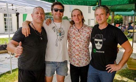 Milan Komljenovic (links) mit seiner Band