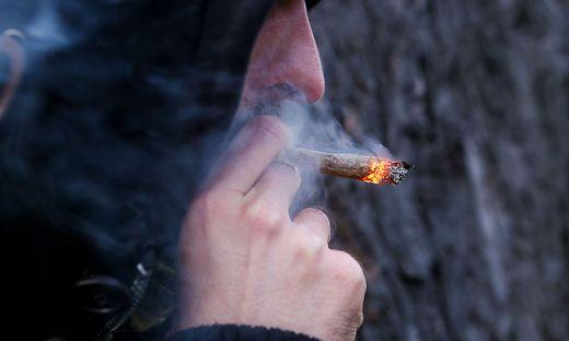 e meisten der nach dem Suchtmittelgesetz beanstandeten Delikte betreffen Cannabis