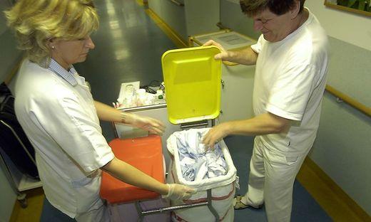 waesche,waschen,textilien,hygiene,sauber,rein,klinik,spital,krankenhaus,medizin,krank,krankheit,gesundheit