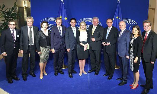 2016 jettet gleich die ganze Landesregierung nach Brüssel.