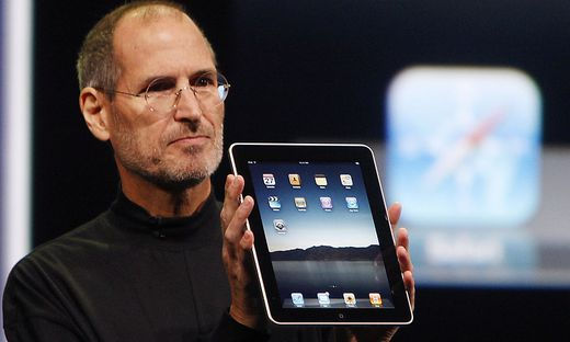 Steve Jobs bei der Präsentation des ersten iPad