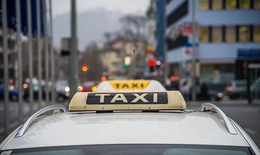Für Taxiunternehmer sind die Zeiten besonders schwer.