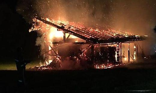 Ein Wirtschaftsgebäude in Görtschach fing wegen Blitzeinschlags Feuer