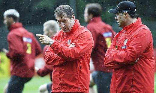 Teamchef Franco Foda und Co-Trainer Imre Szabics (rechts)