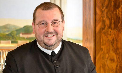 Pater Gerwig lädt Interessierte ein, das Frühjahrs- und Sommerprogramm zu nutzen