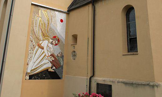 Mosaike Pfarrkirche St. Peter am Wallersberg