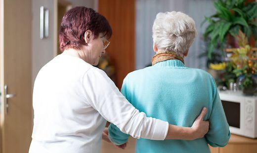 Pflegerinnen in den Heimen sollen bzw. haben die 500 Euro Sonderzahlung erhalten