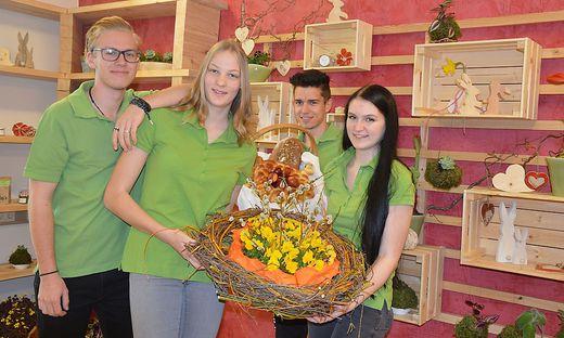 Schüler mit ihren Produkten