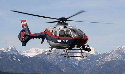 """Mittels des Polizeihubschraubers """"Libelle FLIR"""" wurden die Bergsteigerinnen geortet und geborgen"""