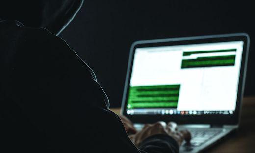 Der Internetbetrüger nützte das Vertrauen seines Opfers aus
