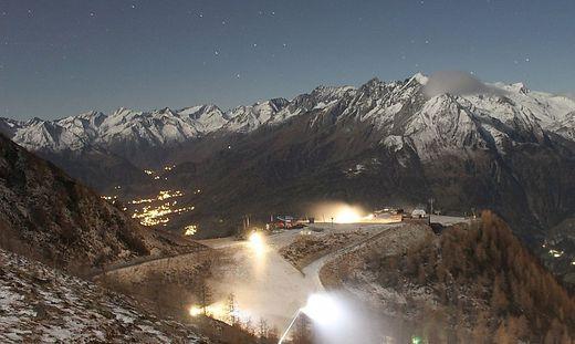 Auf der Bergstation des Großglockner-Resort Kals-Matrei waren die Schneekanonen bereits im Einsatz