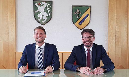 Bürgermeister Günther Ofner (r.) und Ralph Ranner haben sich geeinigt