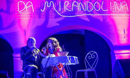 """Gut bei Stimme im stimmungsvollen Ambiente: """"Mirandolina"""" Linda Haluschan-Springer mit """"Rippafratta"""" Reinhard Blaschitz"""