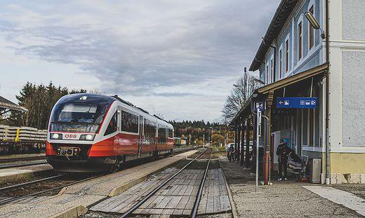 Bahnhof Kühnsdorf ALT und NEU November 2020