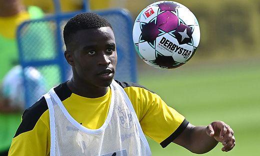 Youssoufa Moukoko wurde zum jüngsten Bundesliga-Debütanten