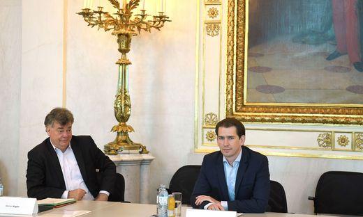 Großspurige Ankündigungen Vizekanzler Werner Kogler und Bundeskanzler Sebastian Kurz bei der Regierungsklausur