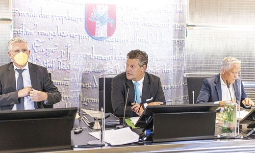 Vizebürgermeister Alois Dolinar, Bürgermeister Christian Scheider und Vizebürgermeister Jürgen Pfeiler