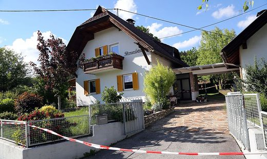 Der Tatort in Wernberg ist nach wie vor abgesperrt