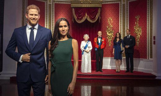 In Madame Tussauds Wachsfigurenkabinett wurden Harry und Meghan aus der unmittelbaren Nähe der Queen entfernt