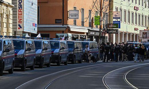 Dutzende Polizisten, darunter ein Kärntner, waren bei der Demonstration in Innsbruck im Einsatz