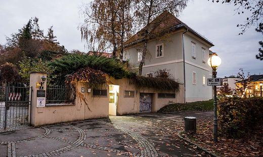 Die WC-Anlage neben dem Europahaus Klagenfurt wird um viel Geld saniert.