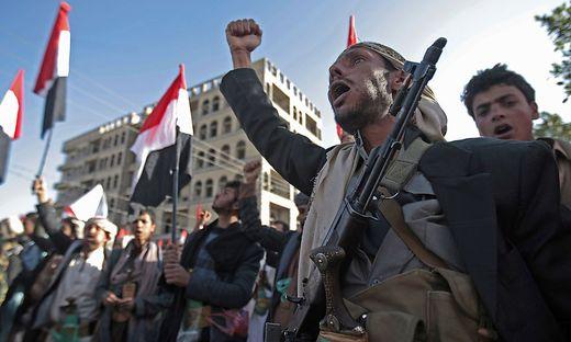 Mehr als 60 Tote bei Luftangriffen und Kämpfen im Jemen