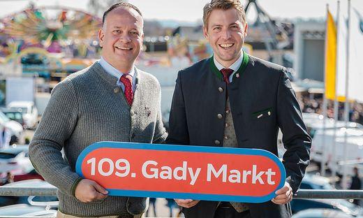 """Philipp Gady (r.) und Eugen Roth laden am Wochenende zum """"coronakonformen"""" Gady-Markt ein"""