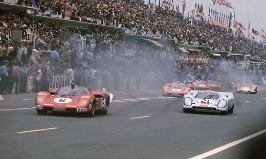 Le Mans France 13th 14th June 1970 L to R Ignazio Giunti Nino Vaccarella Ferrari 512S reti