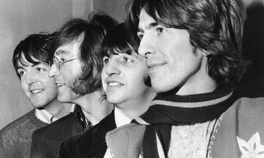 Paul McCartney, John Lennon, Ringo Starr,George Harrison