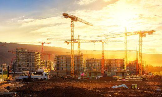 Mit Crowdinvesting kann man sich mit kleinen Summen an großen Immobilienprojekten beteiligen