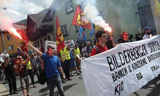 BILDERBERG-KONFERENZ: DEMONSTRATION