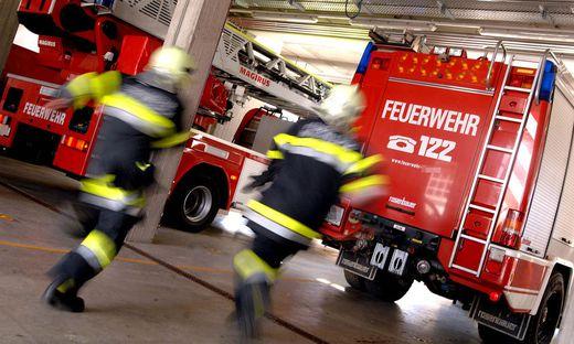 Die Feuerwehr betrat unter Atemschutz die Kellerräumlichkeiten