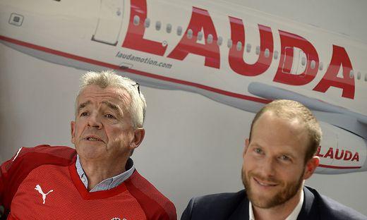 Laudamotion ist nun offiziell eine Ryanair-Tochter. Im Bild: Ryanair-Chef Michael O'Leary und Laudamotion-GF Andreas Gruber