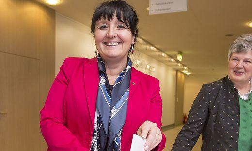 Manuela Khom bei der Wahl