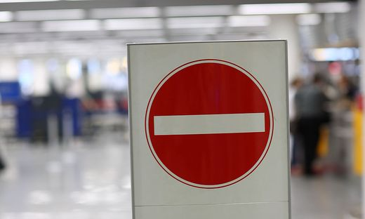 Immer mehr Länder verhängen Einreiseverbote. Was tun mit gebuchten Flugtickets?