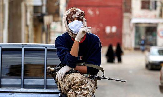 Im Jemen versucht man trotz des Bürgerkriegs der Virus-Ausbreitung etwas entgegenzusetzen