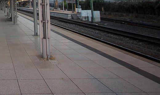 Täter auf der Flucht Sprengsatz explodiert in Hamburger S-Bahnhof