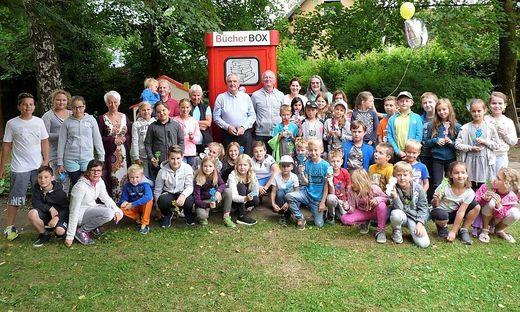Krimis, Ratgeber und Kinderbücher finden sich in der neuen Bücher-Box in Tainach