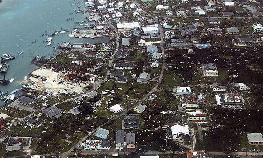 Verwüstungen auf der Insel Man-O-War Cay, Teil der Bahamas
