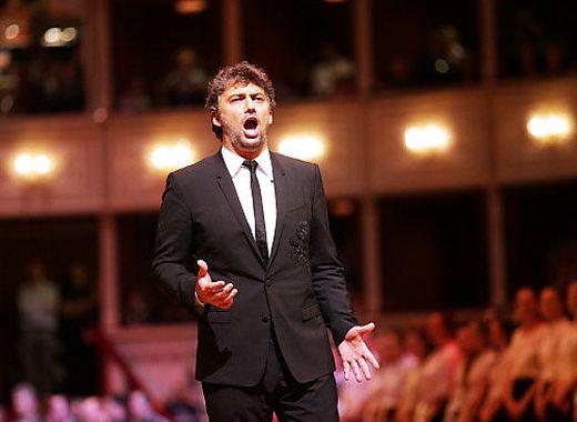 Jonas Kaufmann holte sich in Hamburg seinen achten Echo-Preis ab