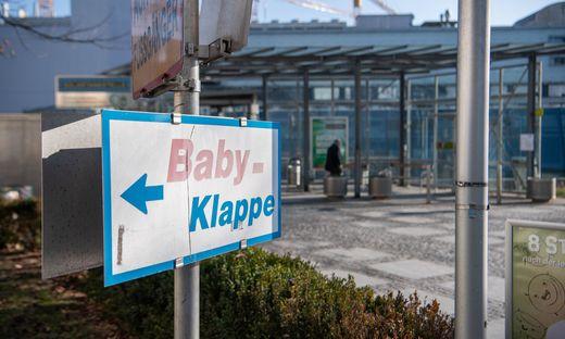 Babyklappe beim LKH Graz - Themenfoto