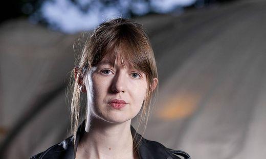 Die irische Schriftstellerin Sally Rooney