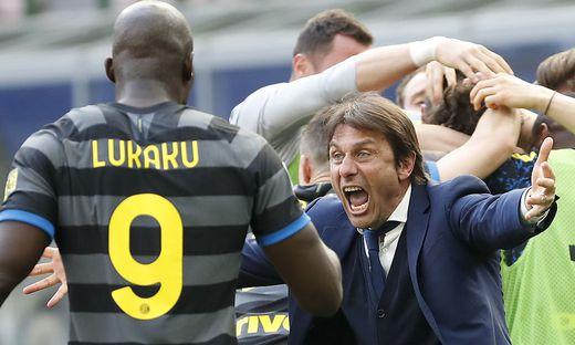 Antonio Conte, Lukaku & Co. feiern nach dem Treffer von Matteo Darmian