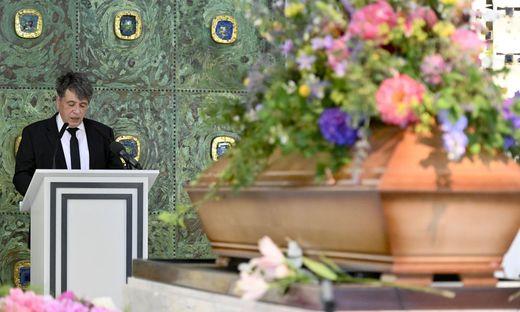 Trauerfeier von Friederike Mayröcker am Wiener Zentralfriedhof