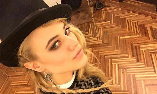 Larissa Marolt holt sich Shopping-Krone