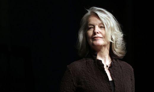 EROeFFNUNG DES LITERATURFESTIVALS 'O-TOeNE' MIT EINER LESUNG VON MARLENE STREERUWITZ