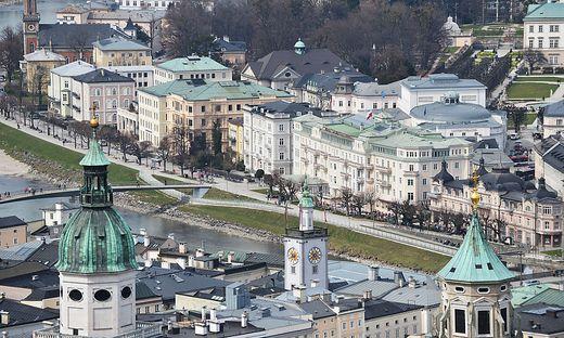 Salzburg hat im Juni 2018 eine Online-Reservierungspflicht für in die Stadt fahrende Reisebusse eingeführt