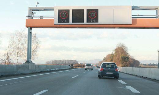 Bei mehr als 50 Minuten Fahrzeit pro Richtung überwiegen für Pendler laut einer Studie die Nachteile