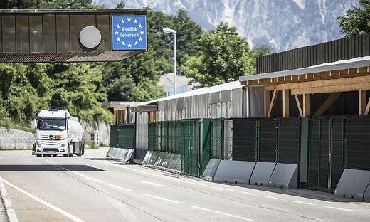 Der Grenzübergang Thörl-Maglern im Sommer 2018. Einige Monate später wurden Zelte und Container abgebaut. 2020 könnten sie wieder in Betrieb genommen werden